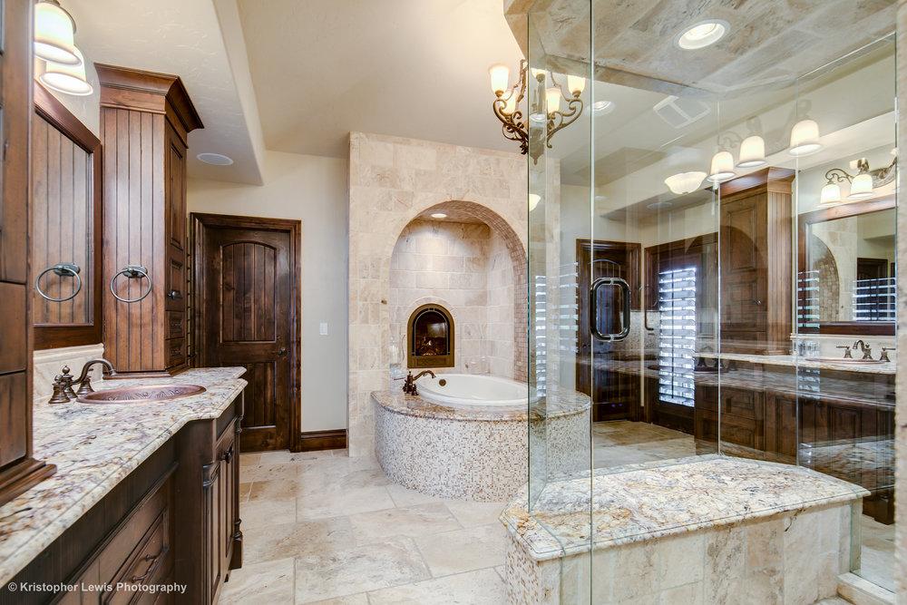 33_Upper Level-Master Suite-Bathroom-2.jpg
