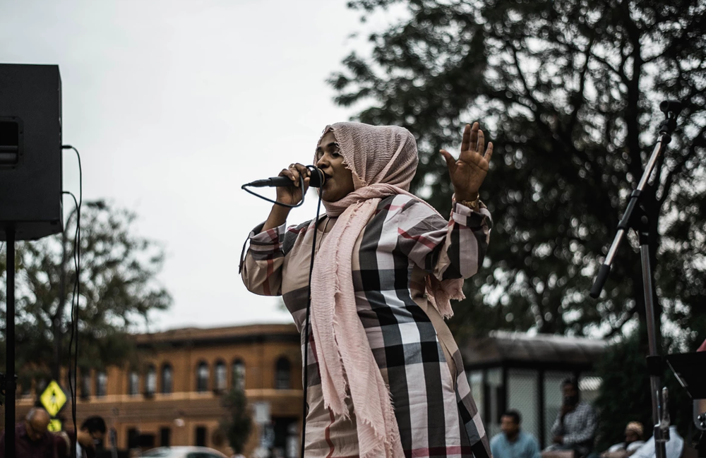 Wadajir Riverside Band Singer Rhama Rose performing at the 2017 Global Roots Festival
