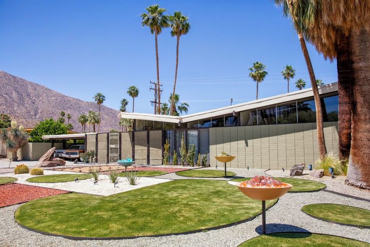 MID CENTURY MODERN ARCHITECTURE PALM SPRINGS - BUTTERFLY ROOF