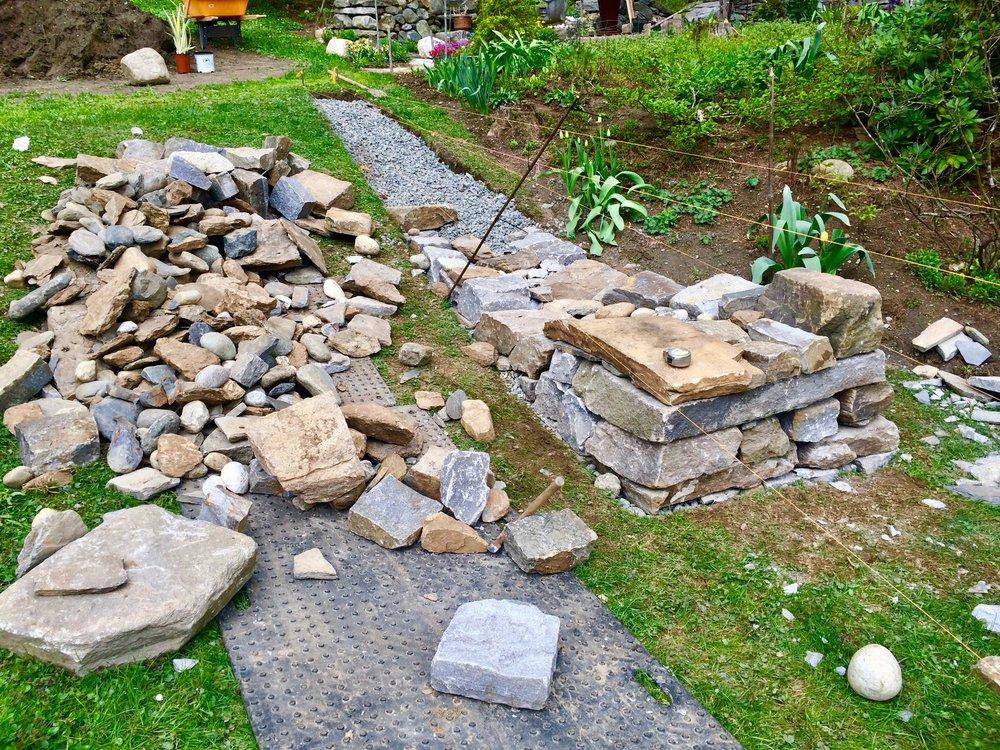 dan-snow-stoneworks-puzzle-post-isosceles-wall - 1.jpg