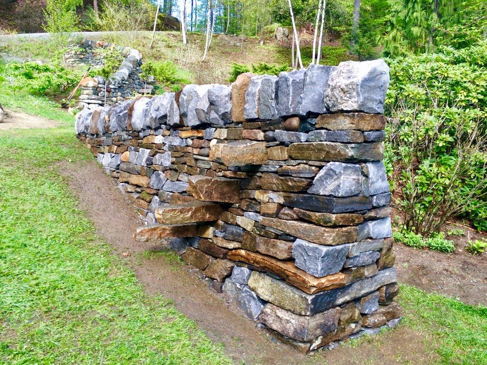 dan-snow-stoneworks-puzzle-post-isosceles-wall - 2.jpg