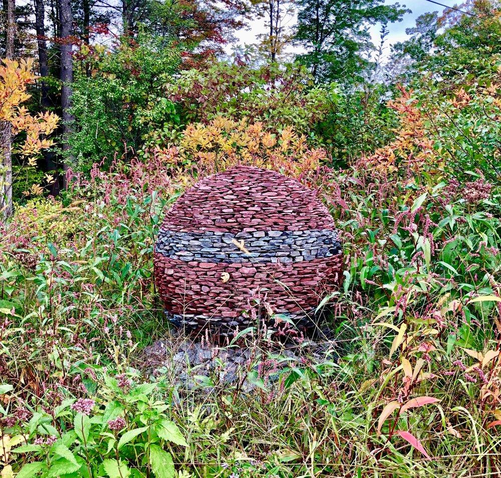 SLATE BAUBLE, Dan Snow, sculpture, red & green Vermont slate, Lexel adhesive, 1 meter in diameter, Dummerston, VT, 2018.