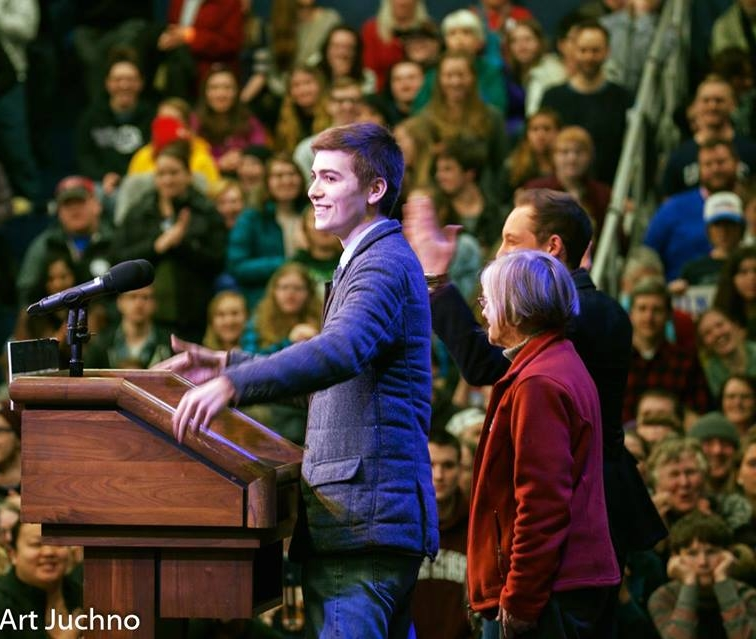 Casey was a field organizer in Massachusetts, New Hampshire, Rhode Island, Wisconsin and Ohio. As part of this, he had the honor of introducing the Senator.
