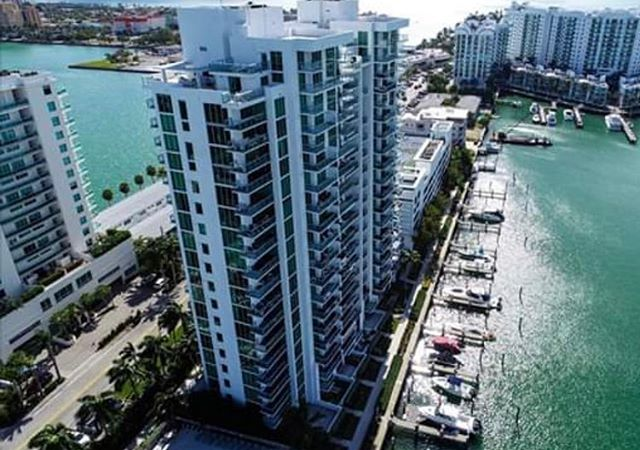 Imagine living in this luxurious building? Make I️t happen by contacting our agent Emily Deleon for available units! ✉️emilydeleon@tannerlamb.com The Eloquence on the Bay 📍 Bring your boat 🛥  #privatemarina #northbayvillage #miami #luxury #lifestyle #realestate #southflorida