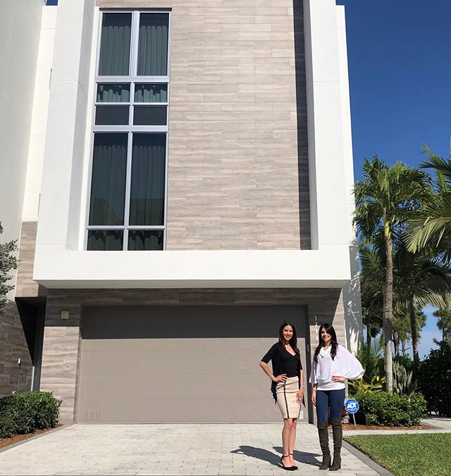 Request a private tour with our agents to view these new luxury townhomes in Boca! This community offers a wide variety of apartment complex like amenities and offers the Florida lifestyle at its finest! Moderne Boca 📍 Starting $550,000 & up #bocaraton #southflorida #luxury #lifestyle #realestate