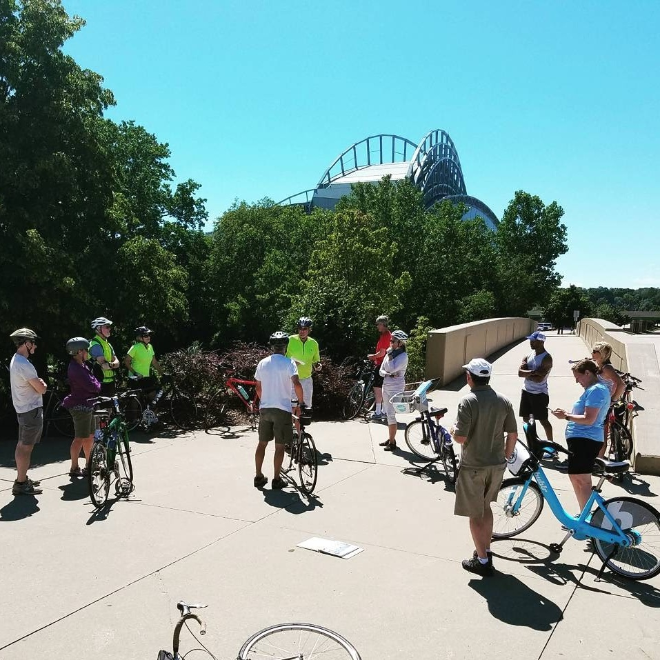 Historic+Milwaukee+Bike+Tour_Aug+2017+%2817%29.jpg
