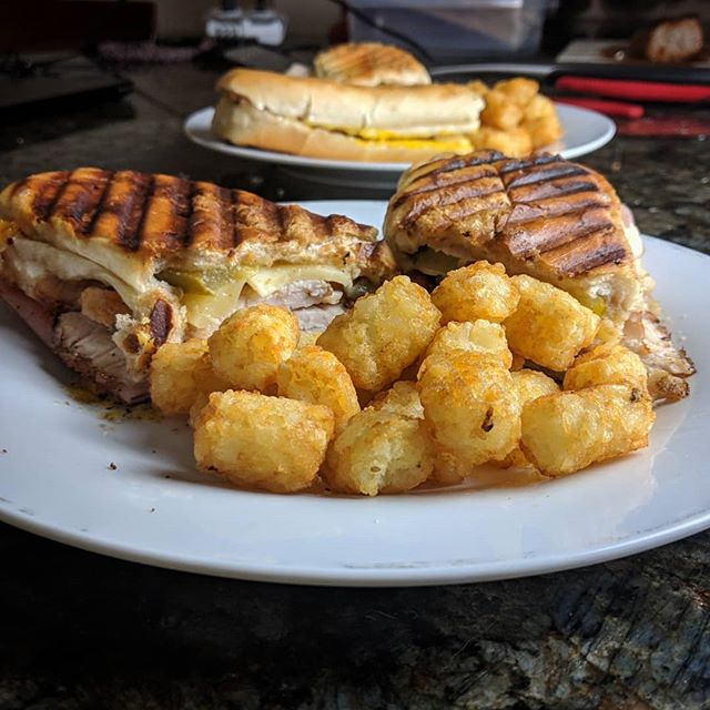 To celebrate our first week back from vacation, @nicolemfallon and I made homemade Cuban sandwiches with...frozen tater tots (but dammit they're good). #FoodIsSoImportant