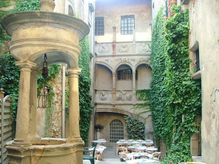 Hotel d'Alibert Caunes Minervois.jpg