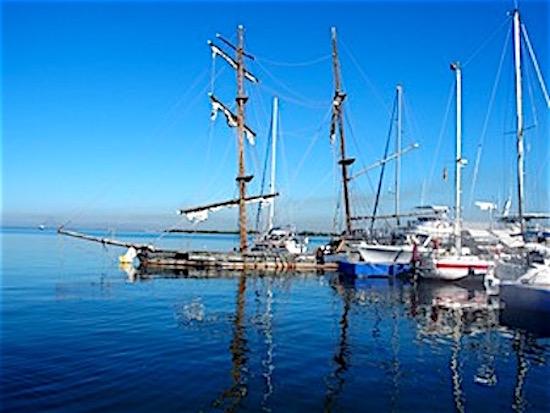 Boats on the bay.jpeg