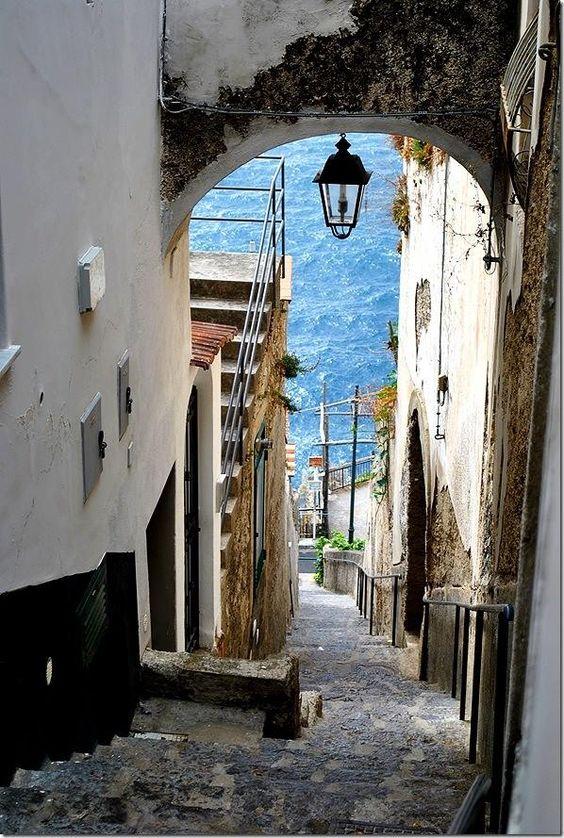Campania alleyways.jpg