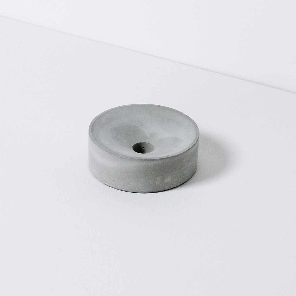 POUR-1-Candle-Holder.jpg