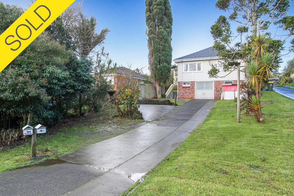 75 Kaurilands Road, Titirangi, Auckland - SOLD AUGUST 20173 Beds I 2 Baths I 4 Parking