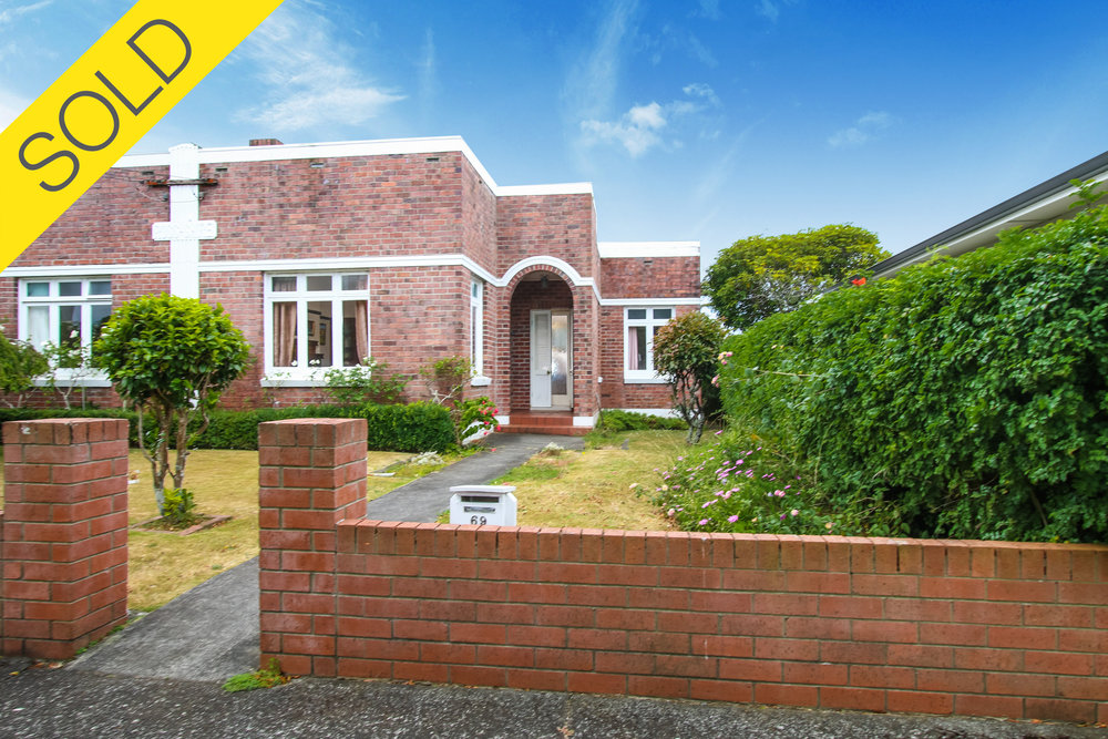 69 Rawhiti Road, One Tree Hill, Auckland - SOLD FEBRUARY 20172 Beds I 1 Bath