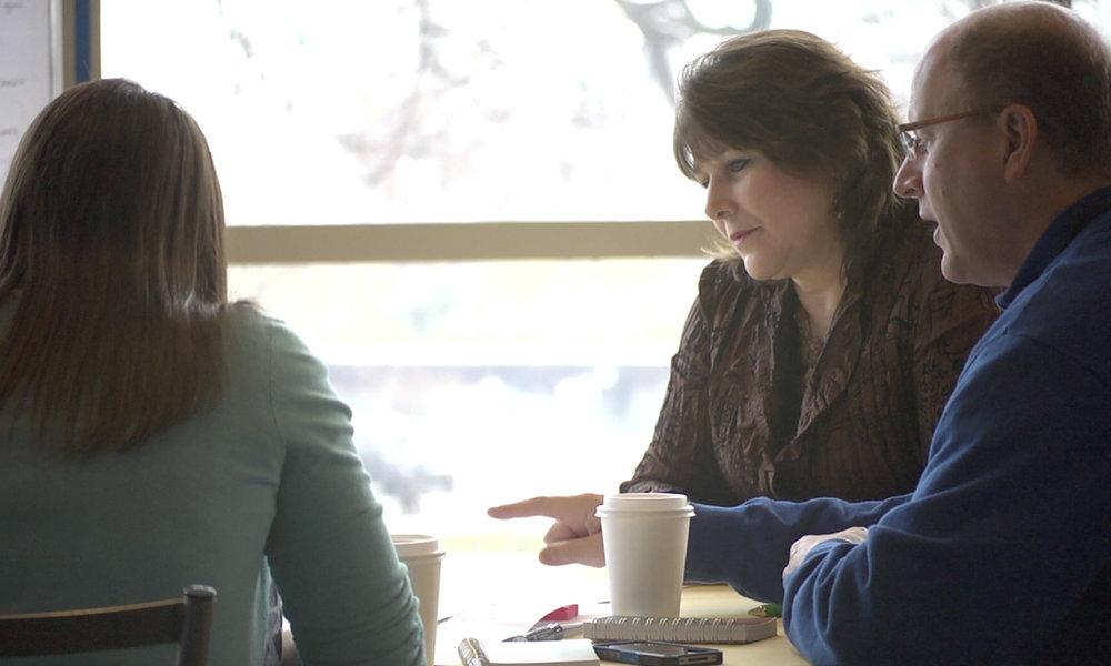 Lauren Schwartz facilitating a small breakout group focusing on consumer needs