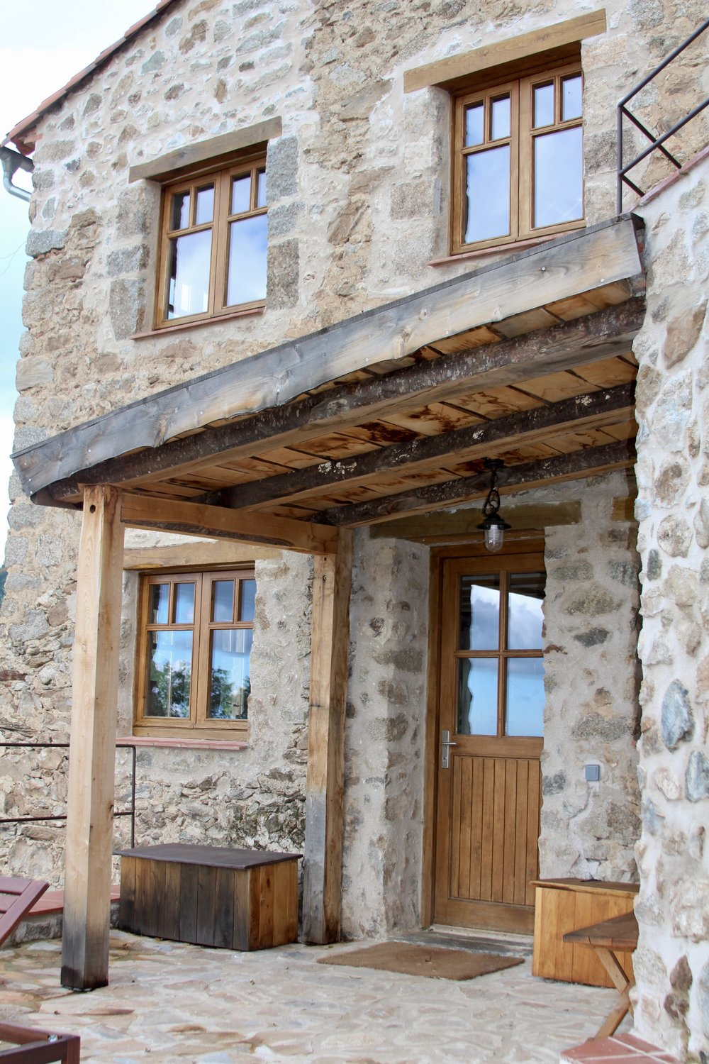 Gite Canigou entrance porch