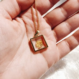 ecded5a2510a Vintage Gold plated glass encased 14kt gold leaf necklace