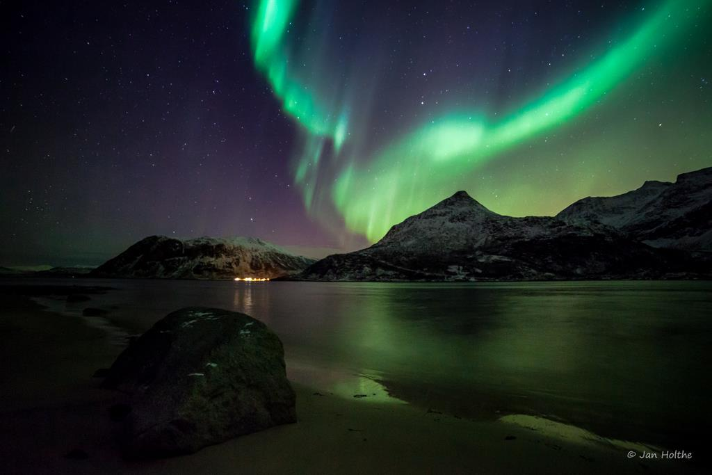 Northenlights By Jan Holthe