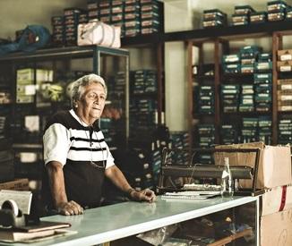 Carlos-Ruiz-75-owner-of-t-0111.jpg
