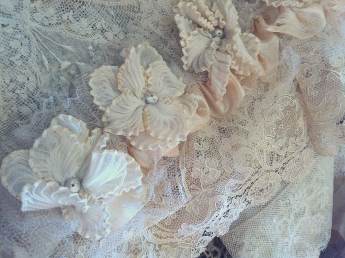 mariage couronne, Flea market, brocante, The French Muse