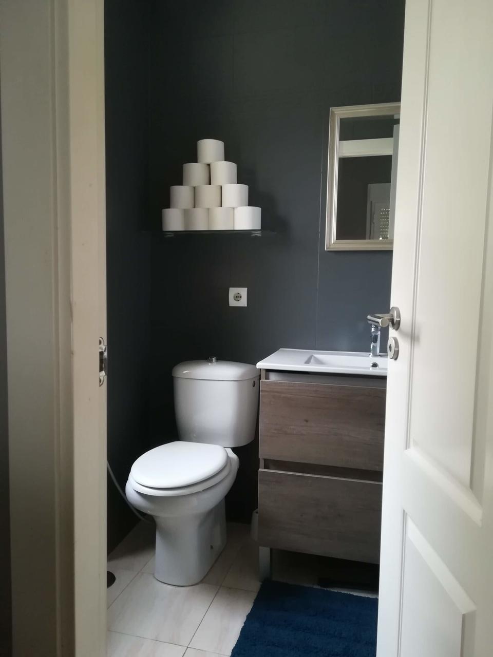KAROLIINA ESPANJASSA WC