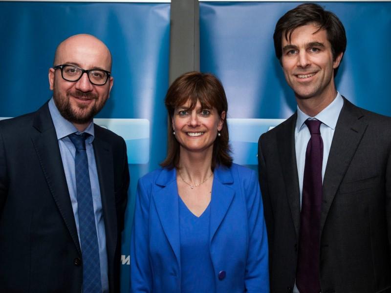 Avec le Premier Ministre, Charles Michel, et la Ministre wallonne Valérie De Bue