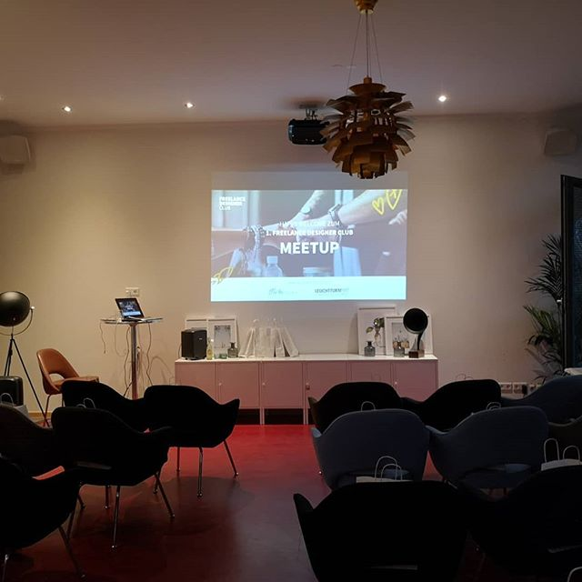 The first #freelancedesignerclub meetup ever in our space with great speakers and some delicious wines.  #berlincoworking #bohospacecoworking #bohoberlin #coworkingschöneberg #aimup #freelancedesigner #nollendorfkiez #nollendorfplatz