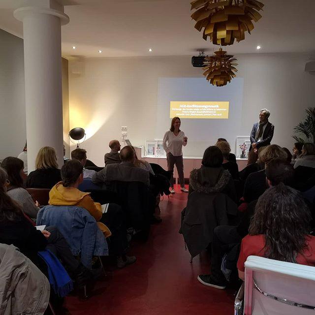 Heute ist die Allianz deutsche Designer zu Besuch im Bohospace.  #seminareinberlin #vortrag #seminar #seminarraumberlin #bohospacecoworking #greencoworking #bohospace