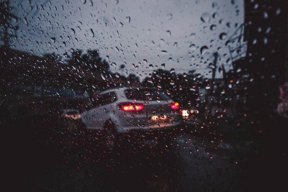 blur-bokeh-car-1105674-1024x683.jpg