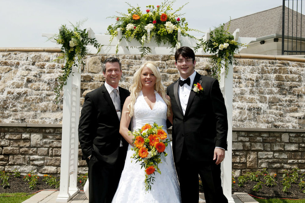 Damian King serves as wedding officiant in Columbus Ohio for Ben and Teresa
