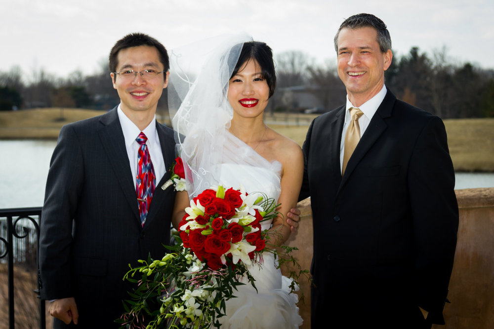 wedding officiant, Damian King, near Columbus, Ohio with Bin Zhu and Jia Shi