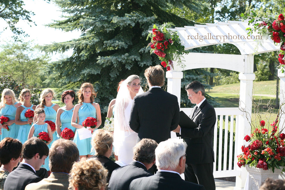 Wedding officiant Damian King in Columbus Ohio at Heritage Golf Club