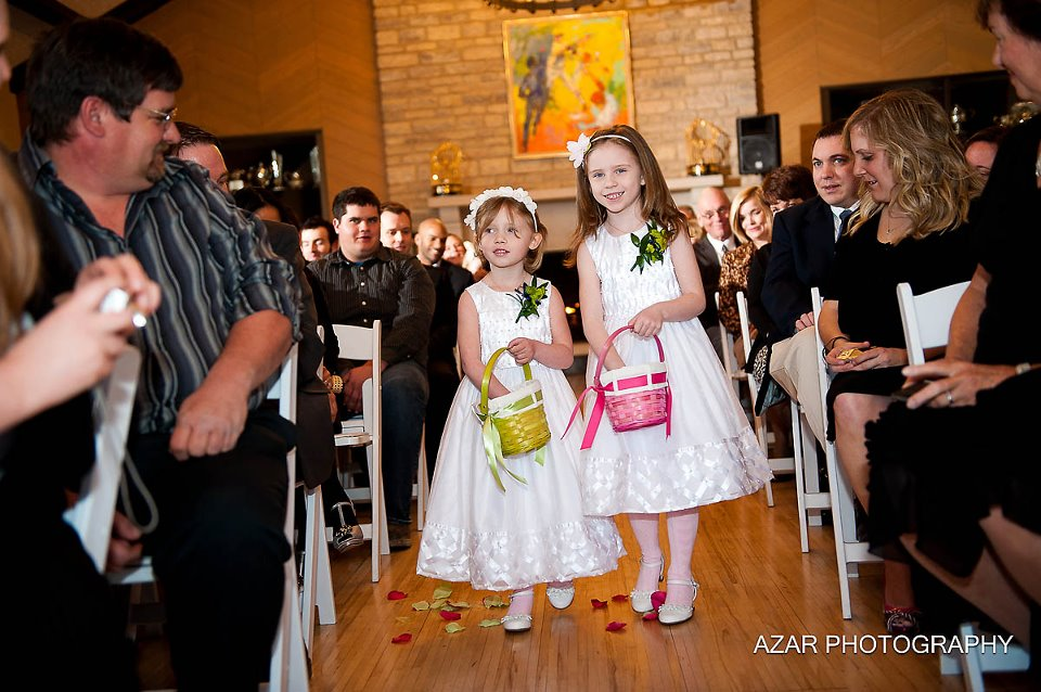 Flower girls at wedding ceremony for Brenda and Clint at Darby House in greater Columbus, Ohio
