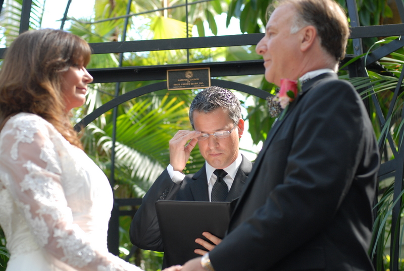 Wedding officiant Damian King with Pam and Rick
