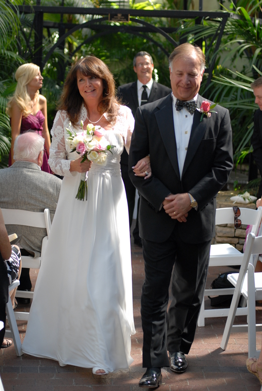 Wedding Officiant Damian King in Palm House in Columbus Ohio with Pam and Rick