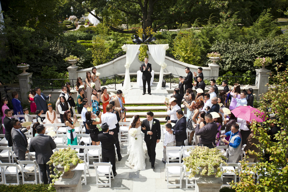 United Marriage Services wedding officiant in Columbus Ohio at Franklin Park