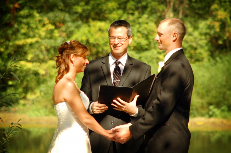 Wedding officiant in Columbus is Damian King for Shiela and Chris 2