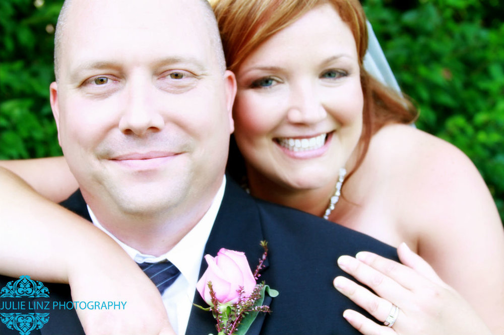 Damian King was wedding officiant in Columbus Ohio for Sarah and Brent at Four Seasons