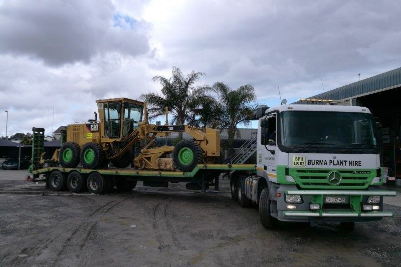 burma-plant-hire-lowbed-3.jpg