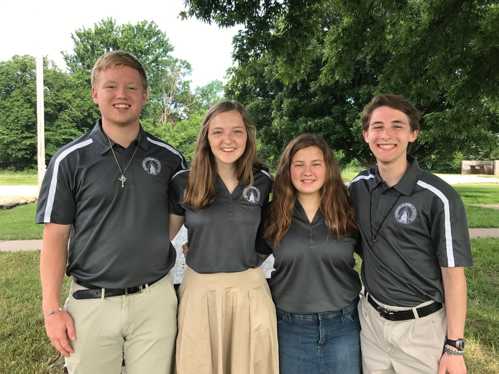 A team of Totus Tuus Missionaries consists of two men and two women. These college-aged students and seminarians are dynamic, faith-filled individuals who love Jesus and His Church.