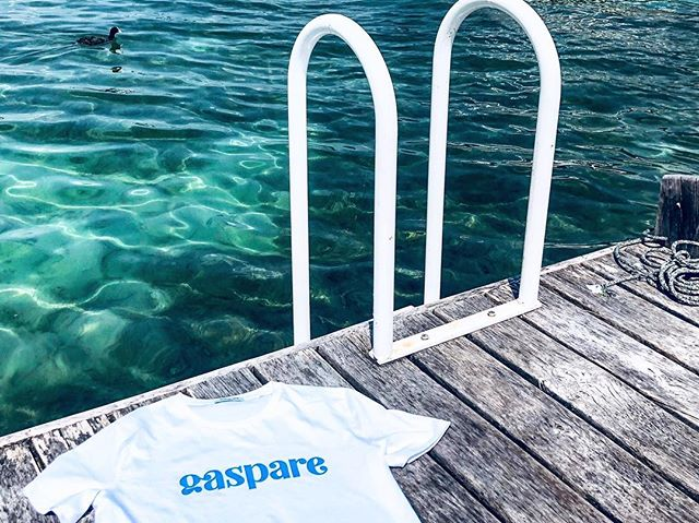 From Paris to ... Tahiti beach 🏝 #lacdannecy 📸 by @paulbalias . . . #annecy#france#gaspareparis#lake#boat#boatlife#beach#tahiti#travellers#travelinstyle#fashion#parisian#parisianbrand#paris#summer#whitetee#organiccotton#annecylake#bluewater