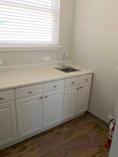 counter and sink.jpg