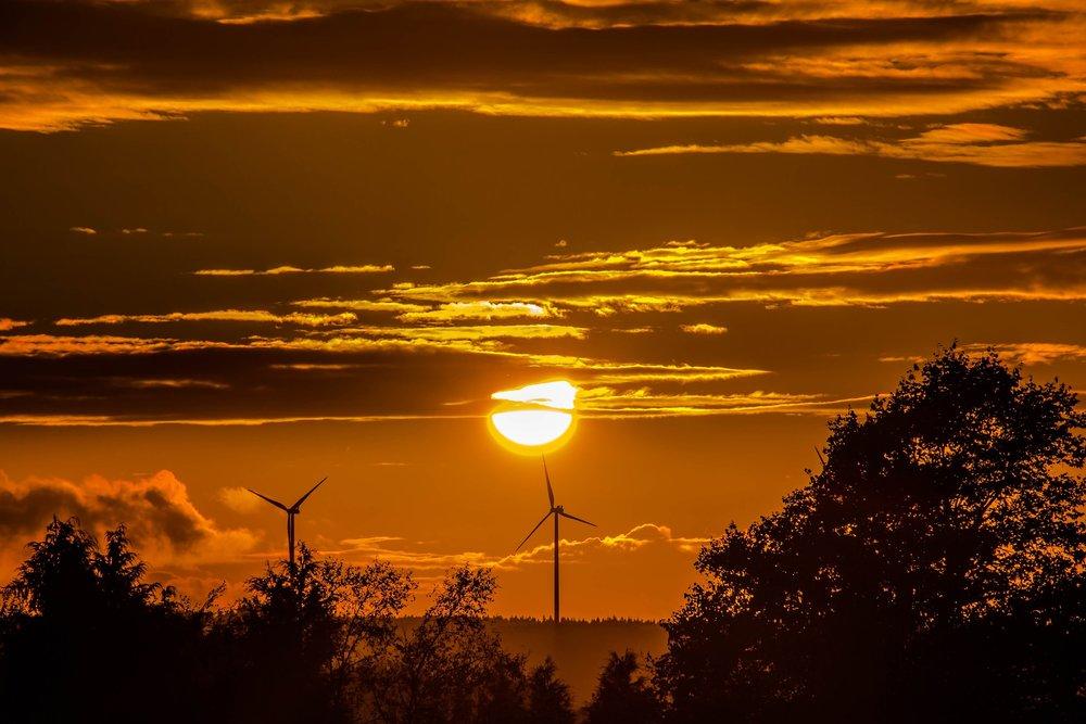 sunset-1752375_1920.jpg