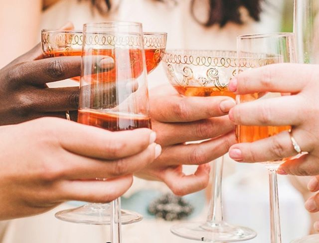 Attention Brides!  Who likes wine tasting? Who also likes a chance to hang out in our amazing space? Yes? Great!🍷 Tomorrow night, Jan 23, from 6:00 - 8:00 pm stop by for a free wine tasting with @aperfectpairingevents - What could be better on a Wednesday?!🍾 See you there!