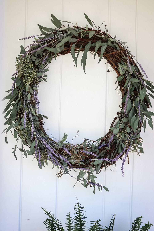 SpringGrapevineWreath-BaileyRaesKitchen.jpg