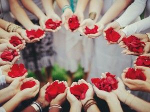 womens circle roses.jpg