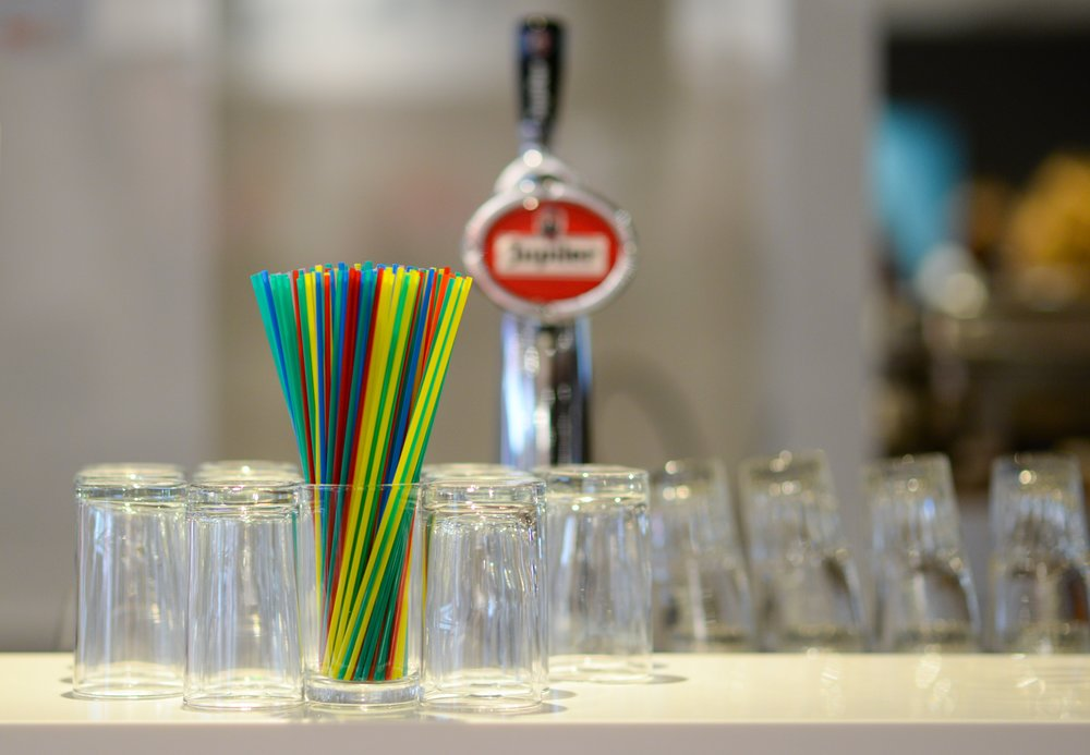 bar-blur-blurred-background-691511.jpg
