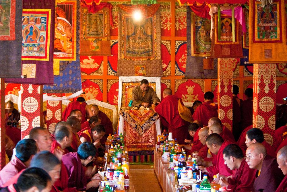 Buddhist_monks_of_Tibet2.jpg