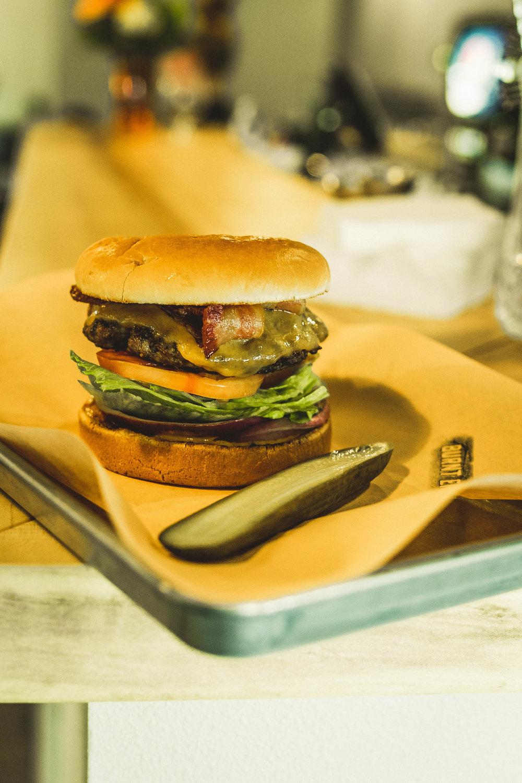 Burnt Ends 8oz Burger