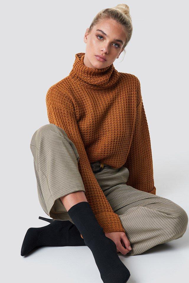 nakd_short_pineapple_knitted_sweater_1100-000631-0179_01a_r1.jpg