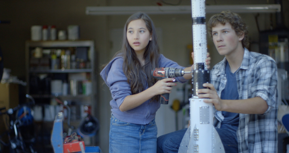Verizon/Inspiring Young Women to Pursue STEM - We set out to embolden young girls with stories of trailblazing women and interactive conversation starters.